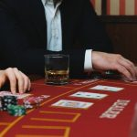 In online slots, should you bet more or less?